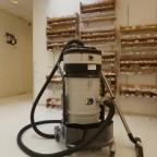 Stofzuigen van fijnstof en grof vuil in de gezondheidszorg met een compacte stofzuiger